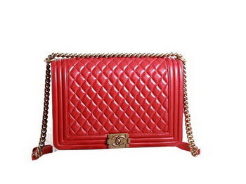 Chanel Boy Flap Shoulder Bag in Red Original Leather Gold