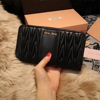miu miu Matelasse Nappa Leather Wallet 5M2064 Black