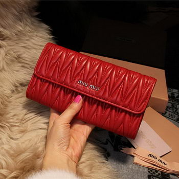 miu miu Matelasse Shiny Calf Leather Wallet 5M1035 Red