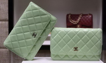 Chanel mini Flap Bag Patent Leather A33814C Green