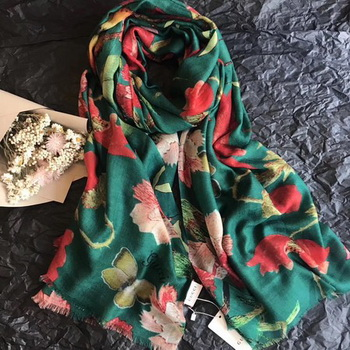Gucci Scarf G2855 Green