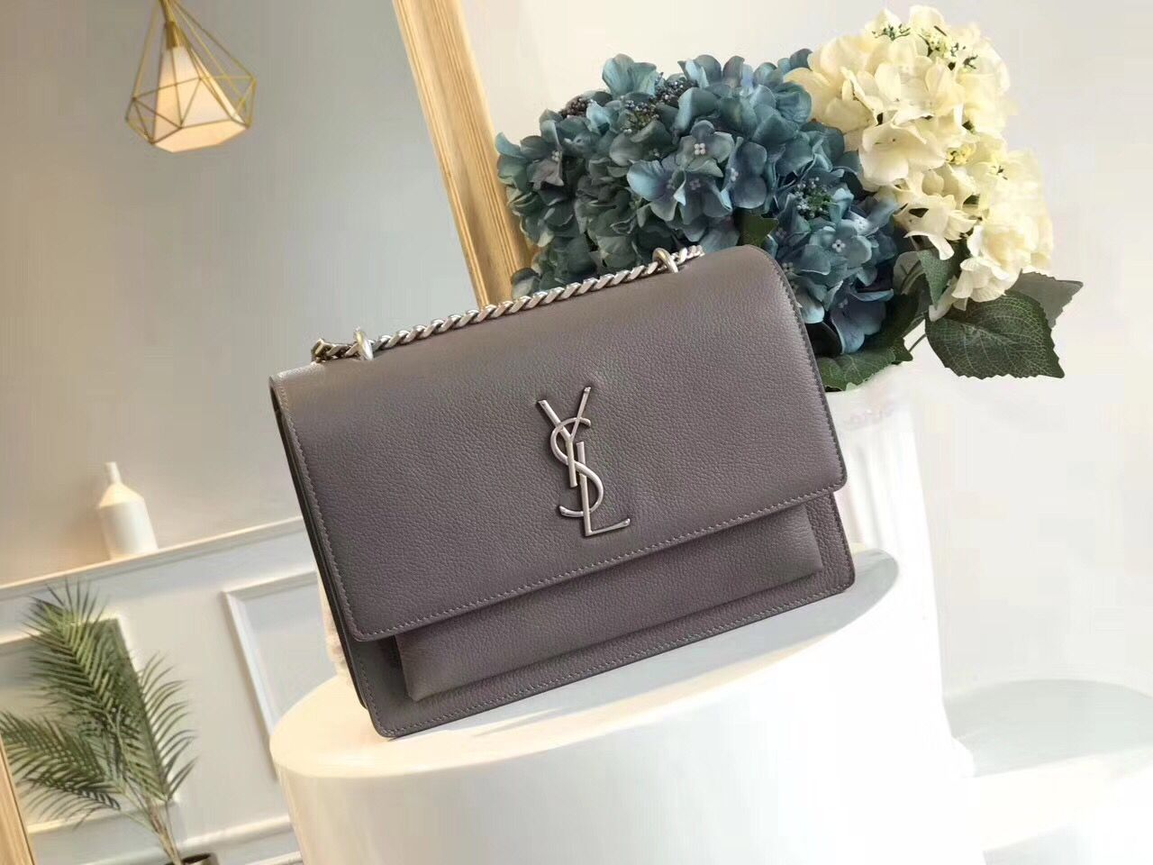 Yves Saint Laurent Cross-body Original Leatehr Shoulder Bag Y8607 Grey