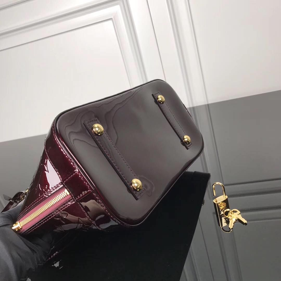 Louis Vuitton Monogram Vernis Alma M93595 Burgundy