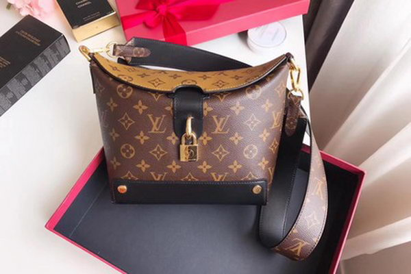 Louis Vuitton Monogram Canvas Shoulder Bag M51177