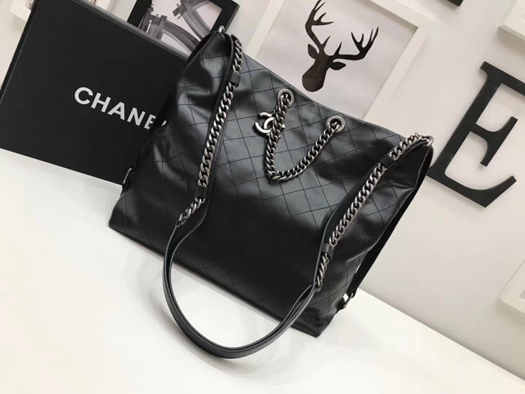 Chanel Calfskin Leather Tote Bag A98697 Black