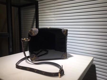 Louis Vuitton EPI Leather Shoulder Bag M53546 Black