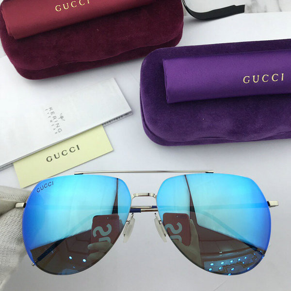Gucci Sunglasses GGS150272G1006