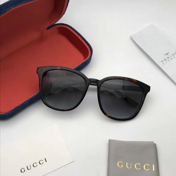 Gucci Sunglasses GGS150272G1021