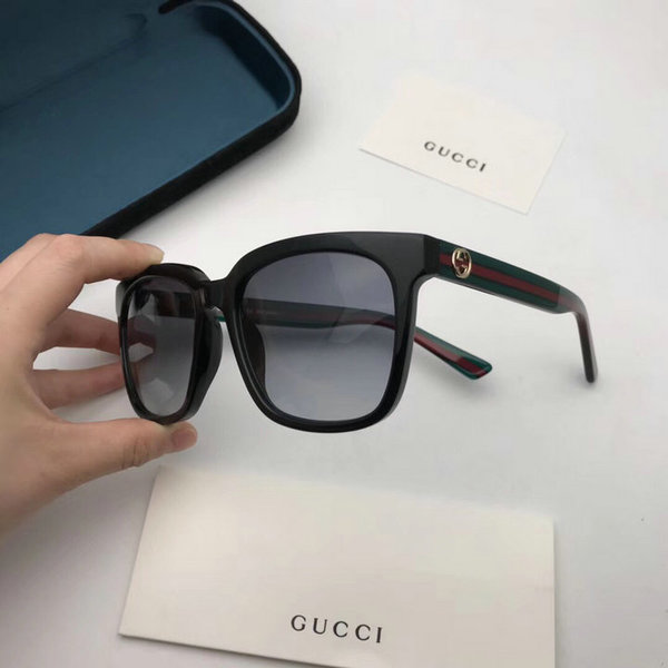 Gucci Sunglasses GGS150272G831