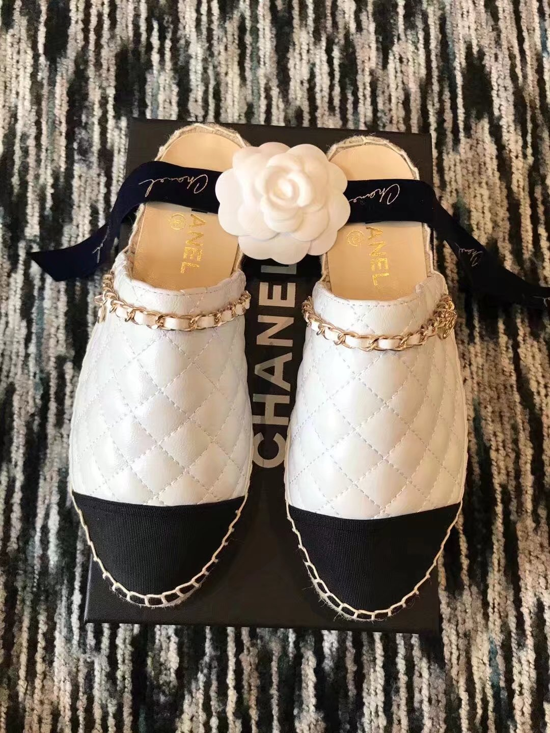 Chanel Slippers CH2336LRF white