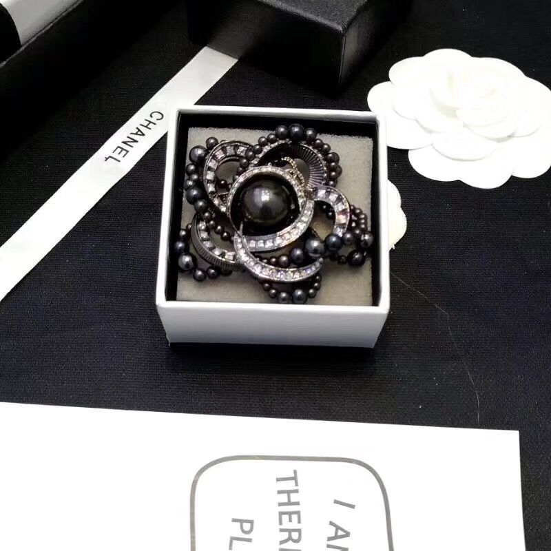 Chanel Brooch 44588