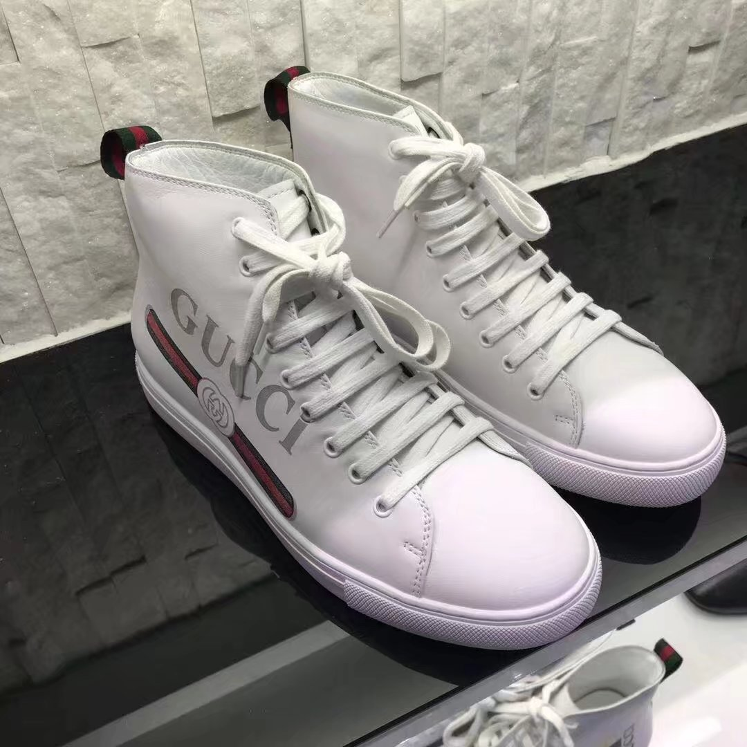 Louis Vuitton Mans Casual shoes GG1355TZ white