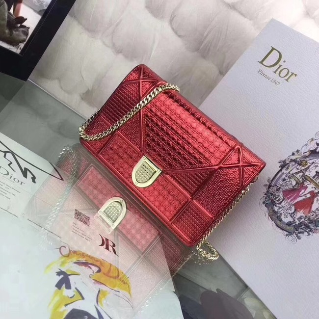 DIORAMA WALLET ON CHAIN CLUTCH METALLIC CALFSKIN WITH MICRO-CANNAGE MOTIF S0328 red