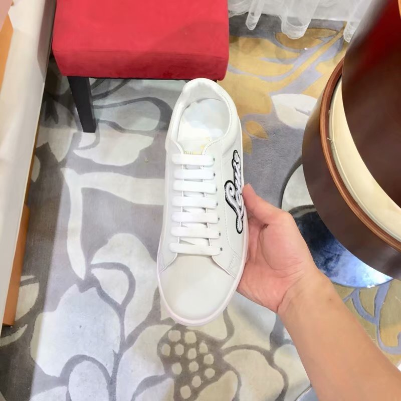 Louis Vuitton TIME OUT SNEAKER LV915SY WHITE