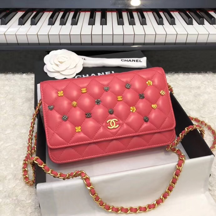 Chanel Wallet on Chain Lambskin & Gold-Tone Metal A81618 Red