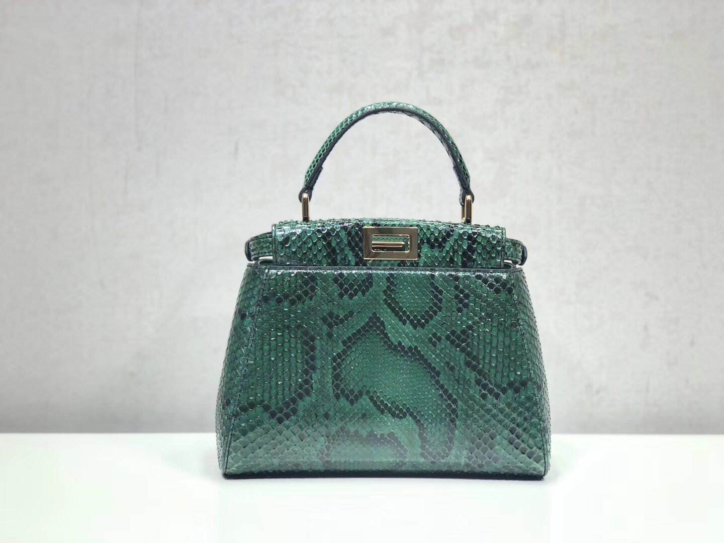 Fendi MINI PEEKABOO Handbag python 8BN244K green