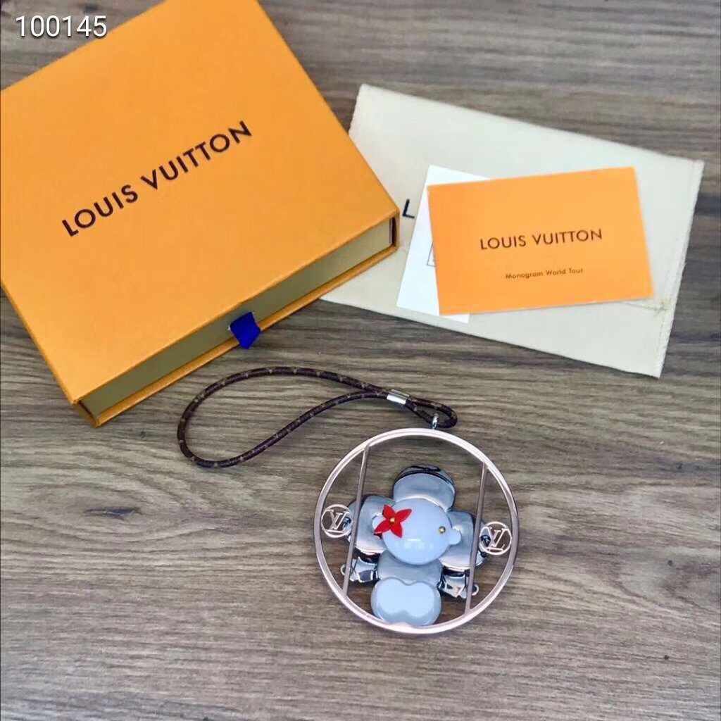 Louis Vuitton Keychain LV122638