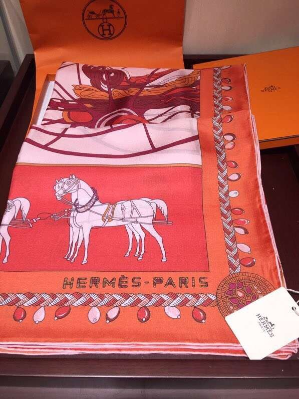 Hermes Scarf in silk twill with hand rolled edges H2564