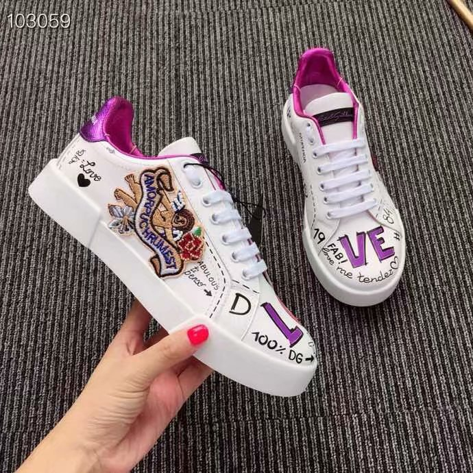 Dolce & Gabbana Heart Shoes DG434FDC-3