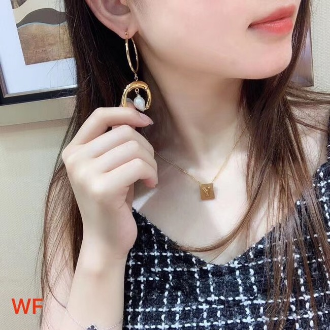 Chloe Earrings CE3889