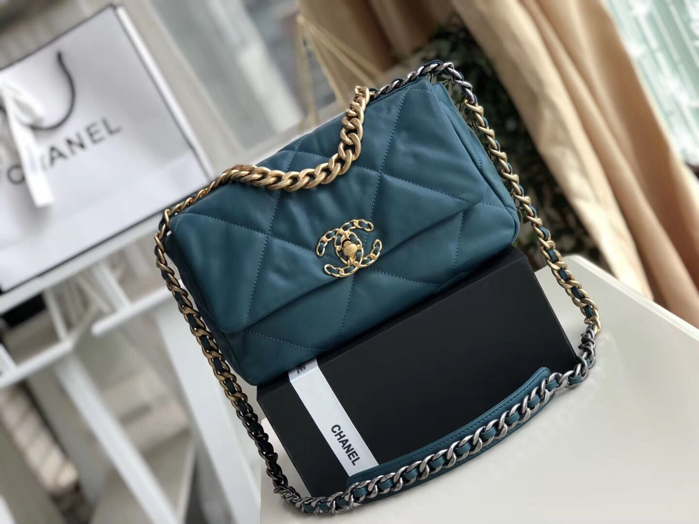 Chanel 19 flap bag AS1160 Navy