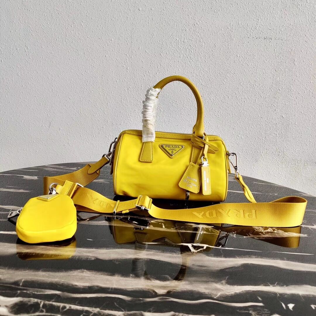 Prada Re-Edition 2005 top-handle bag 1PR846 yellow