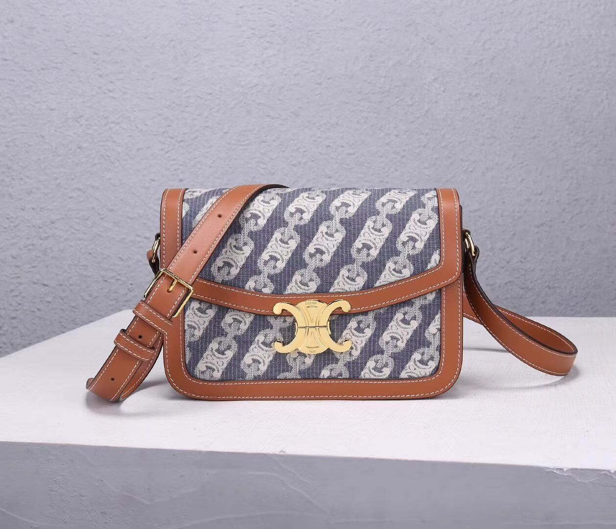 Celine TEEN TRIOMPHE BAG IN TRIOMPHE CANVAS AND CALFSKIN CL87368 blue