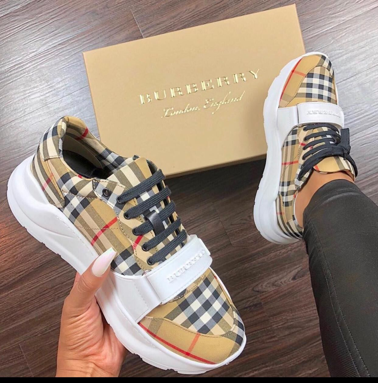 BurBerry Shoes BUY185