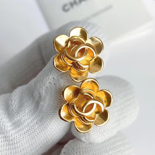 Chanel Earrings CE5661