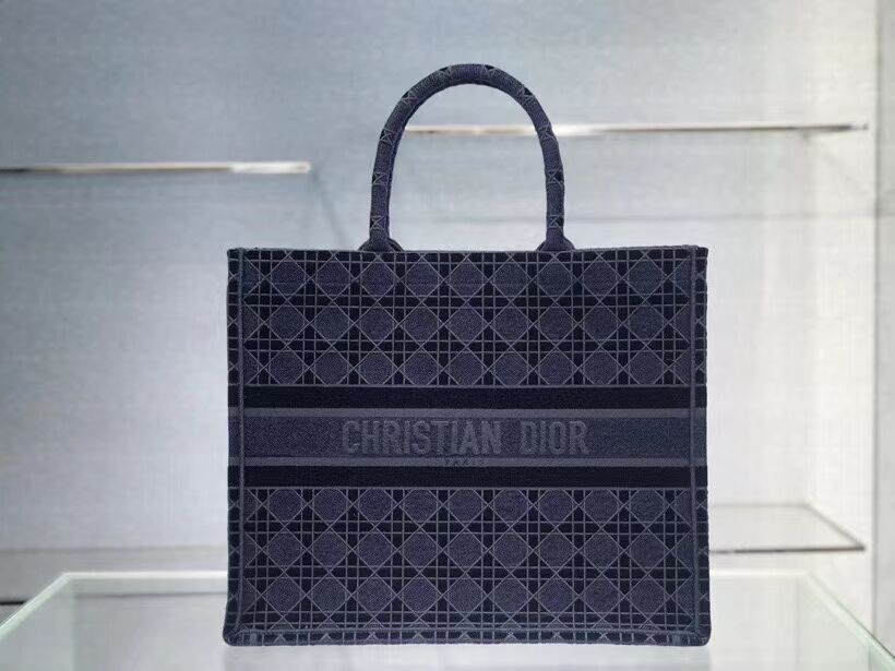 DIOR BOOK TOTE blue Cannage Embroidered Velvet M1286Z