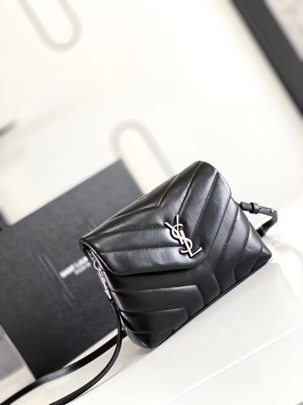 SAINT LAURENT LOULOU SMALL IN MATELASSE Y LEATHER 467072 black&Ancient silver