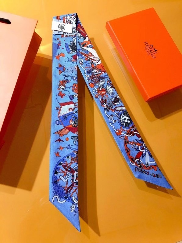 Hermes Twilly Small silk scarf H06356