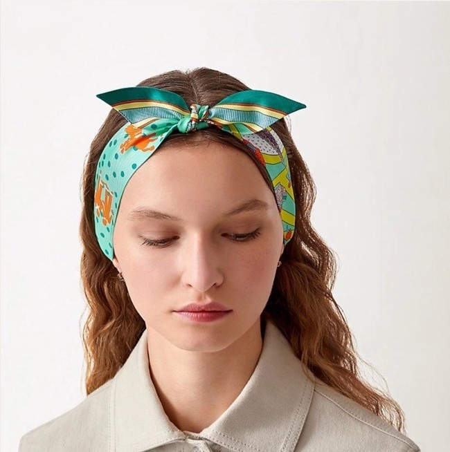 Hermes Twilly Small silk scarf H06360