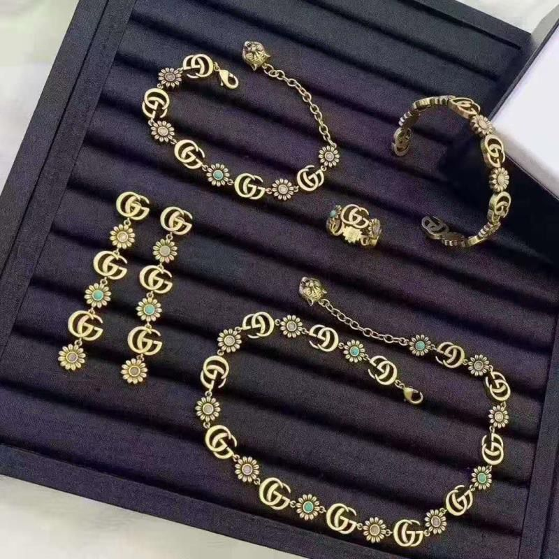 Gucci Top Quality Necklace or Bracelet or Earrings or Ring GG6095