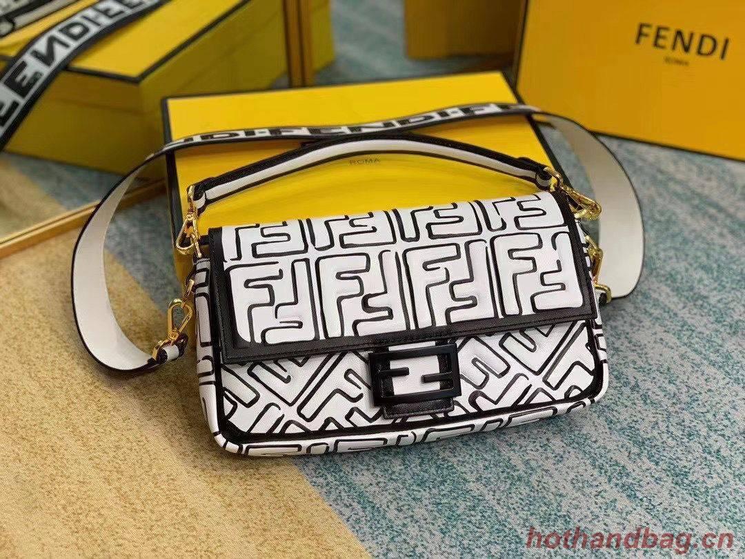 Fendi BAGUETTE Original Leather Bag F2468 White