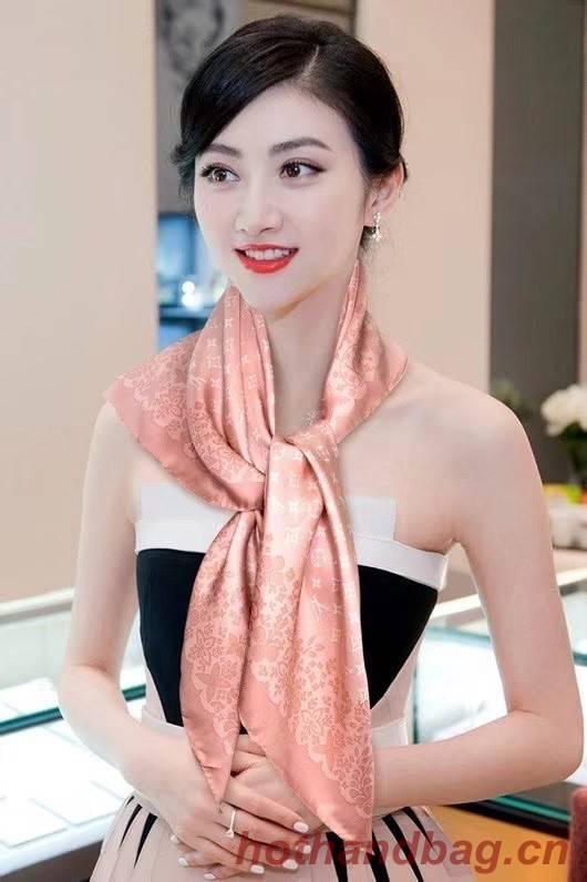 Louis Vuitton silk Scarf 77040