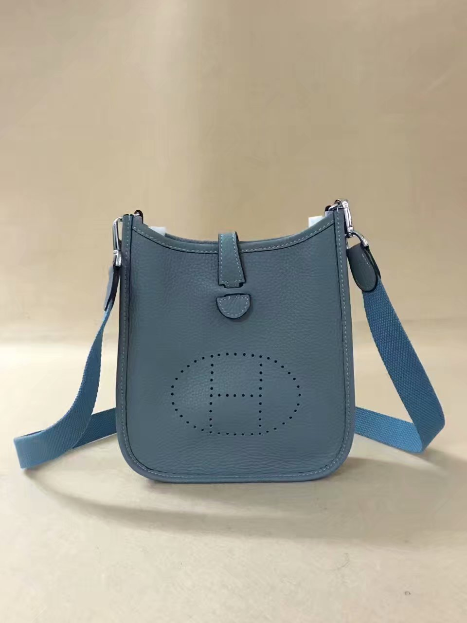 Hermes Evelyne original togo leather mini Shoulder Bag H15698 sky blue