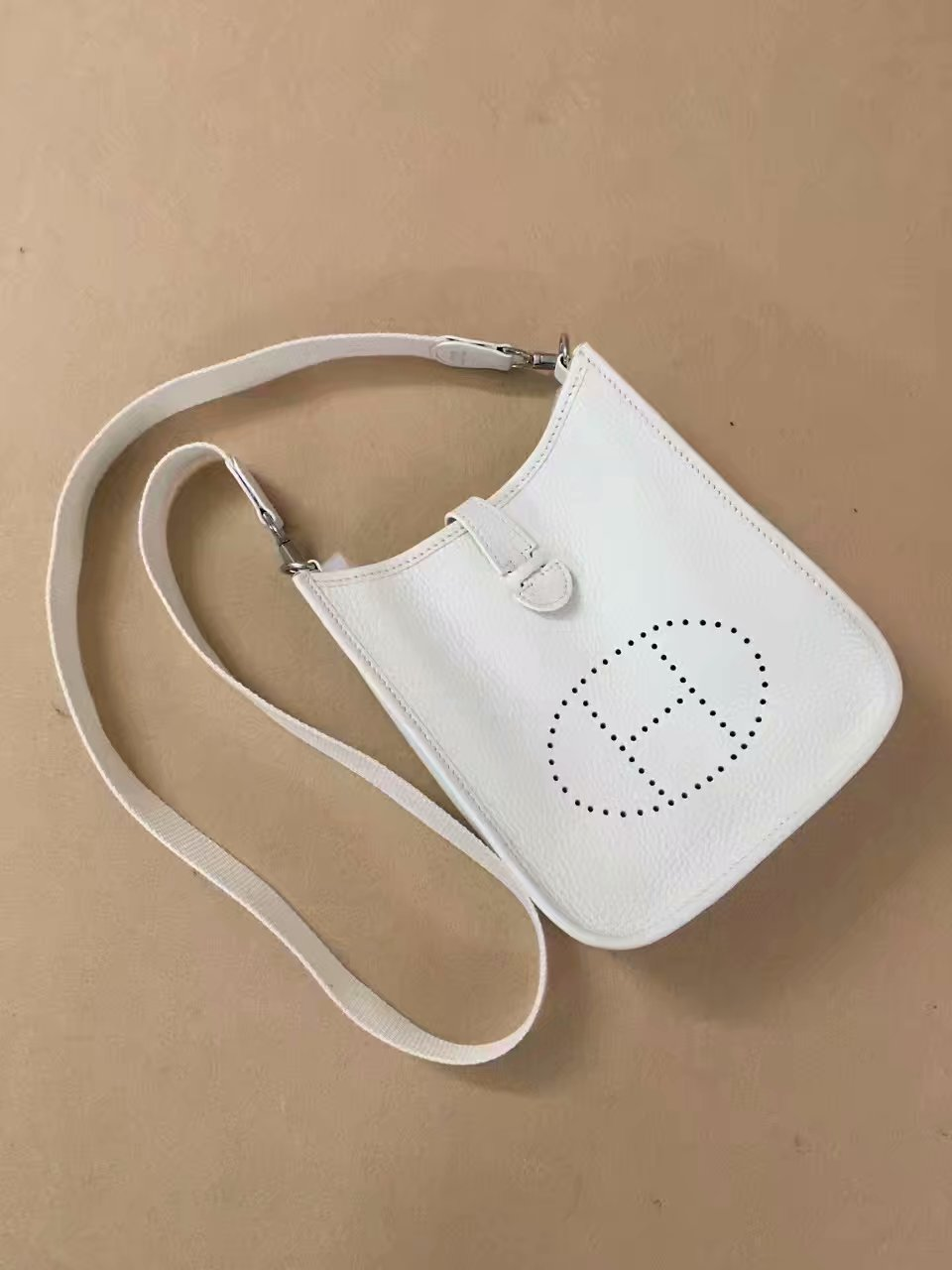 Hermes Evelyne original togo leather mini Shoulder Bag H15698 white